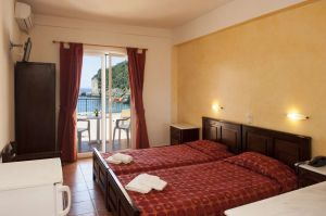Apollon-Hotel-Twin-Room-.jpg