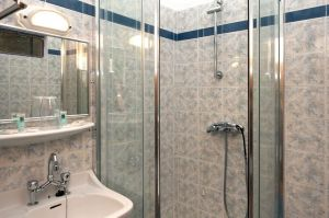 ApollonAnnexe-shower-room-.jpg